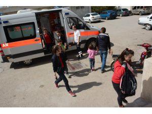 Aksaray'da 11 Öğrenci Gıda Zehirlenme Şüphesiyle Hastaneye Kaldırıldı