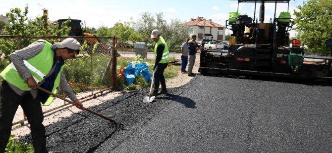Aksaray Belediyesi Sıcak Asfalt Çalışmasını Sürdürüyor