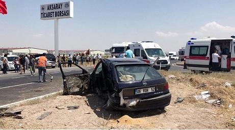 Aksaray'da İki Otomobil Çarpıştı: 2 Ölü, 4 Yaralı