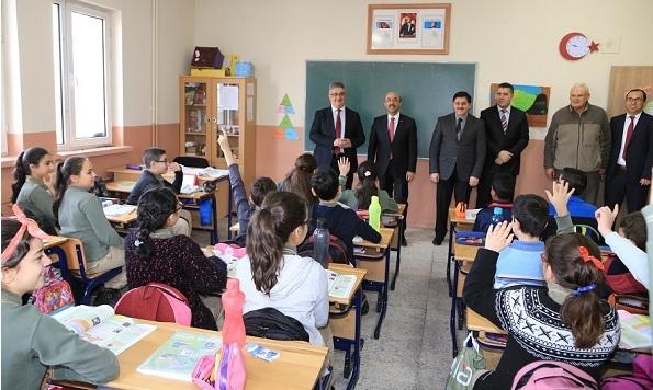 Aykut Pekmez Aksaray Ortaokulu'nu Ziyaret Etti
