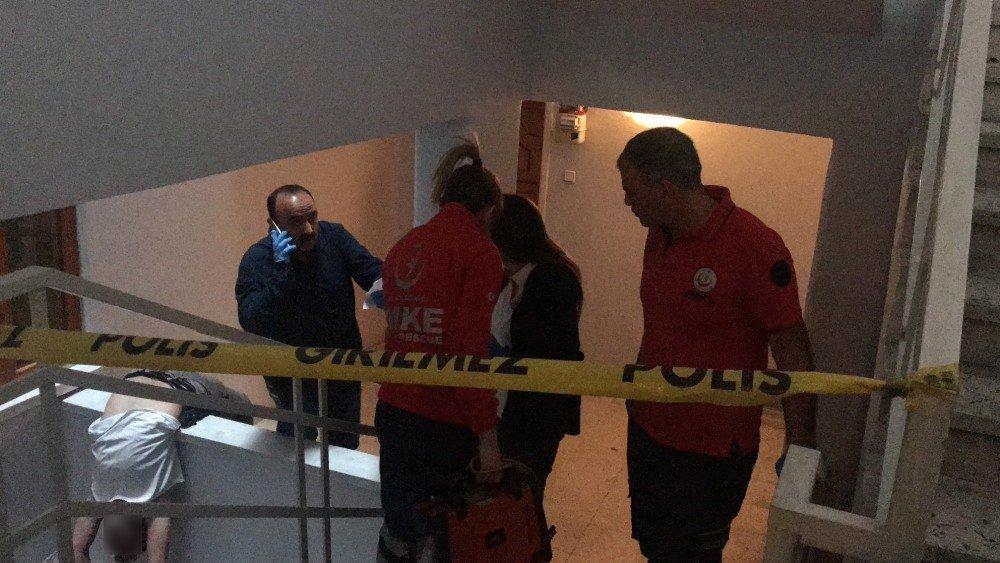 Aksaray'da Bir Kişi Apartman Boşluğunda Ölü Bulundu