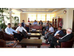 Başkan Yazgı 48 mahallenin muhtarı ile istişare toplantısı yapıyor