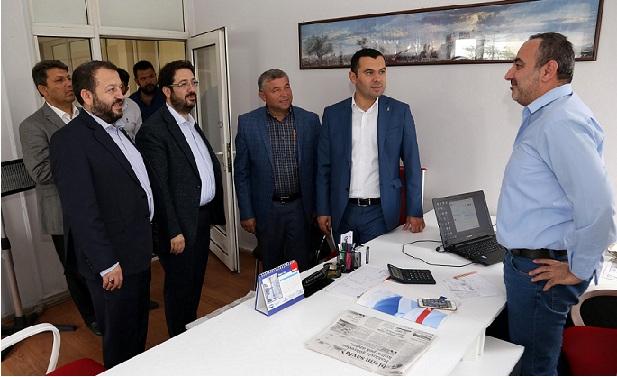 AK Heyetten Şoförler Odası Başkanı Ayhan Tüzün'e Ziyaret