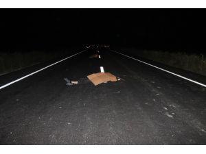 Eskil'de otomobil motosiklete çarptı: 2 ölü, 4 yaralı