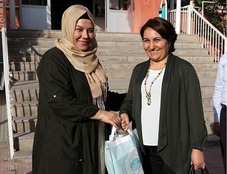 """Gülser Ustaoğlu, """"Aksaray'da Türkiye'ye örnek olacak projeler var"""""""