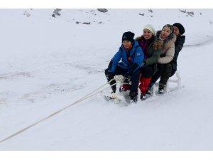 Hasan Dağı'nda kayak ve mangal keyfi