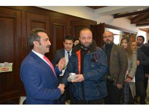 Vali Mantı, gazetecilerle bir araya geldi