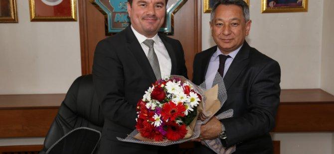 İl Genel Meclis Başkanı ve üyeleri Evren Dinçer'i ziyaret etti