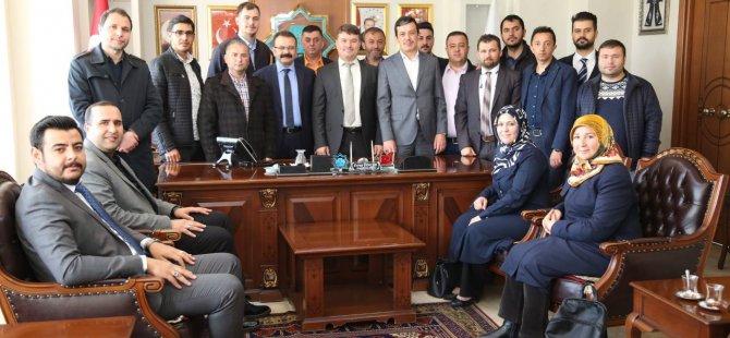 AK Parti merkez ilçe yönetiminden Başkan Evren Dinçer'e hayırlı olsun ziyareti
