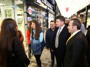 Vali Mantı ve Başkan Dinçer Kapalı Çarşı esnaflarını ziyaret etti