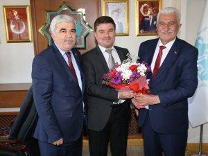 Aksaray Esnaf Odaları Başkanlarından Belediye Başkanı Evren Dinçer'e hayırlı olsun ziyareti