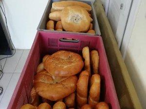Aksaray Muhtarından''Bir ekmek'' kampanyası