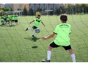 Aksaray Belediyesi yaz spor okulu kayıtları başladı
