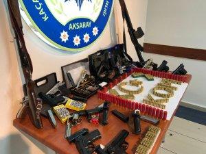 Aksaray'da silah ticareti çetesini KOM özel ekibi çökertti