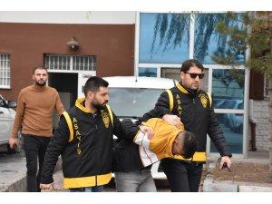 Aksaray'da iş yeri ve oto hırsızlığına karışan 3 kişi tutuklandı