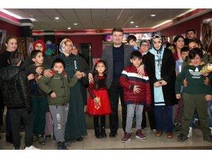 Başkan Dinçer, 30 otizmli öğrenci ile film izledi