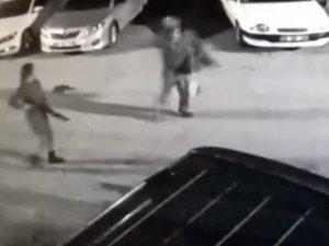 Genç kız, arkadaşını pompalı tüfekle vurdu