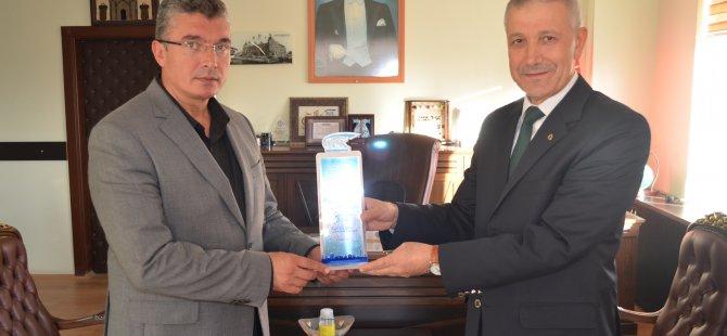 Aksaray SGİM'den Borcu Olmayan Gülağaç Belediyesine Plaket