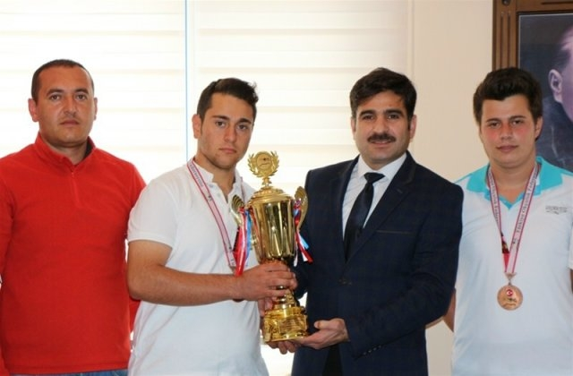Okçularmız Antalya'da Türkiye Üçüncüsü Oldu