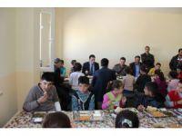 Eskil Kaymakamı Öğrencilerle Yemekte Buluştu