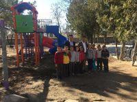 Yeşilova Belediyesi Tüm Okullara Çocuk Parkı Yaptırıldı