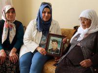 Hasibe Yazgı Şehit Ailelerini Ziyaret Etti