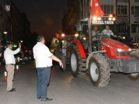 Aksaray'da traktörler şehre indi