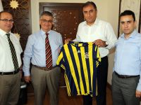 Aksaray Fenerbahçeliler Derneği'nden Vali Pekmez'e ziyaret