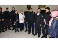 Aksaray'da İmam Hatipli Öğrencilerden Polislere Destek Ziyareti