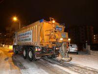 Aksaray Belediyesi Karla Mücadele Ekipleri Çalışmalarını Sürdürüyor