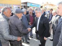 Vali Pekmez Topakkaya Beldesini ziyaret etti