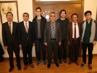 YGS'de dereceye giren öğrenciler Vali Aykut Pekmez'i ziyaret etti
