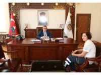 Aksaray Valisi Pekmez'den Bayram Trafiği Uyarısı