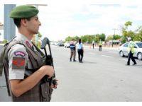 Aksaray'da Uzun Namlulu Silahlarla Bayram Trafiği Denetimi