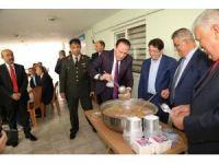 Aksaray'da Şehit Ailelerine Aşure İkram Edildi