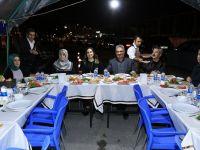 Vali Aykut Pekmez Polis Kontrol Noktasında Görevli Polislerle Sahur Yaptı