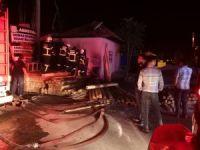 Aksaray'da kereste dükkanındaki yangın paniğe neden oldu