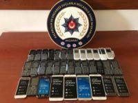 Aksaray'da 35 adet kaçak cep telefonu ele geçirildi