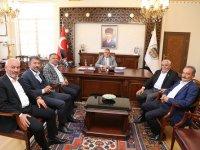 Belediye başkanları ve siyasilerden Vali Pekmez'e veda ziyareti