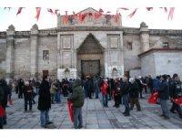 Sabah namazında Mehmetçik ve yemen için duada buluştular