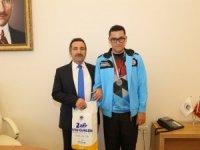 Başarılı Sporcudan Vali Ali Mantı'ya ziyaret