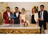 Başkan Dinçer ilk nikahını kıydı