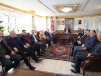 Önceki dönem Ak Parti teşkilatları Başkan Dinçer'e ''Hayırlı olsun '' dedi