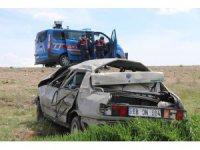 Aksaray'da otomobil şarampole devrildi: 4 ağır yaralı