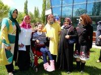 """Aksaray Belediyesi ve KADEM  """"Anneler Günü"""" programı düzenlendi"""