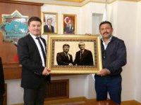Şehit yakınından Başkan Evren Dinçer'e hayırlı olsun ziyareti