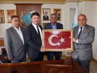 Topakkaya Belediye Başkanı Başkan Dinçer'i ziyaret etti
