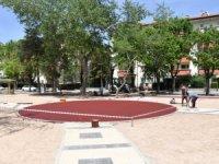 Aksaray Belediyesi Atatürk parkında peyzaj ve yenileme çalışmalarına hız verdi