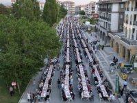 Ramazanın bereketi Aksaray Belediyesi mahalle iftarlarında yaşanıyor