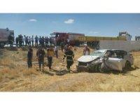 Aksaray'da otomobil şarampole devrildi: 2 yaralı